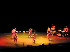 spectacle mater afrique African Dance, Les Continents, Africa Art, Activities, Concert, Children, Videos, Youtube, Dancing