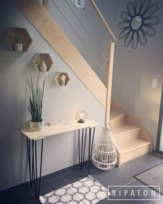 Atelier Ripaton-Hairpin Legs-www. Hallway Inspiration, Home Decor Inspiration, Bed Design, House Design, Victorian Fabric, Archi Design, Tuscan House, Innovation Design, Apartments