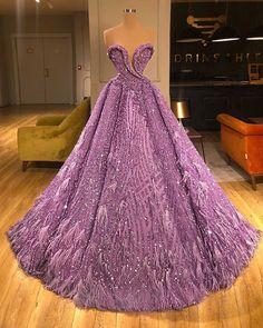 Absolutely regal dress by .Absolutely regal dress by . Glam Dresses, Red Carpet Dresses, Elegant Dresses, Pretty Dresses, Fashion Dresses, Formal Dresses, Fashion Clothes, Fashion Fashion, Fashion Women