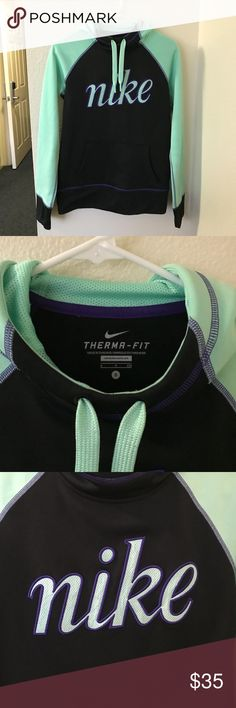 Nike Therma-Fit Hoodie Nike pullover hoodie with warm Nike therma fabric, a mesh-lined hood with drawcords, kangaroo pocket, and thumb slots. Great condition!! Nike Tops Sweatshirts & Hoodies