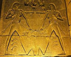 What Was Ancient Egyptian Hygiene Like? Ancient Egypt, Ancient History, Best Soda, History Of Wine, Dark Eye Makeup, Dark Eyes, Time Photo, Horse Hair, Fleas