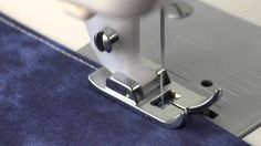 The Wonders of Presser Feet Sewing Tools, Sewing Hacks, Sewing Tutorials, Sewing Patterns, Sewing Ideas, Sewing Machines Best, Fat Quarter Projects, Fat Quarter Quilt, Love Sewing