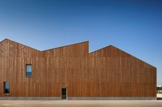 This is a two-storey school center, including a kindergarten and an elementary school located in Mouriz, Paredes, Northern of Portugal. It was conceived to c...