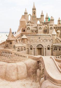 Sand Sculptures: Grand sandcastle on the beach during a summer day Snow Sculptures, Sculpture Art, Metal Sculptures, Abstract Sculpture, Bronze Sculpture, Shells And Sand, Ice Art, Snow Art, Grain Of Sand