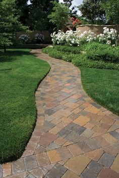 Paver walkway featuring Italian Renaissance pavers by Basalite