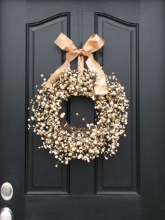Love the dark door with light wreath Wedding Door Wreaths, Wedding Doors, Wreath Crafts, Diy Crafts, Seasonal Decor, Holiday Decor, For Elise, Berry Wreath, New Years Decorations