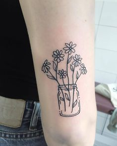 Daisy Tattoo Artist: Tara Lee