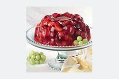 Discover a dessert that's also a Healthy Living recipe with this Quick Cranberry Fruit Mold. This dramatic, delicious Quick Cranberry Fruit Mold is just the thing to bring when you want to turn heads at the potluck party. Healthy Living Recipes, Diet Recipes, Yummy Recipes, Gelatin Recipes, Jello Recipes, Delicious Desserts, Dessert Recipes, Cranberry Fruit, Cranberry Sauce