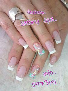 Uñas francés blanco y turquesa flores de colores Simple Nails, Easy Nails, French Polish, Nail Technician, Manicure And Pedicure, Cute Nails, Hair And Nails, Nail Designs, Nail Art