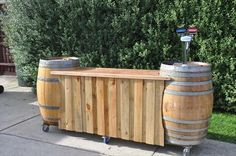 DIY wooden Pallet Bar | Pallets Furniture Designs