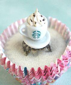 starbucks coffee ring - any Starbucks jewelry! Cute Coffee Mugs, Coffee Latte, Starbucks Coffee, Starbucks Bath, Starbucks Crafts, Coffee Meme, Starbucks Drinks, Coffee Creamer, Espresso Coffee