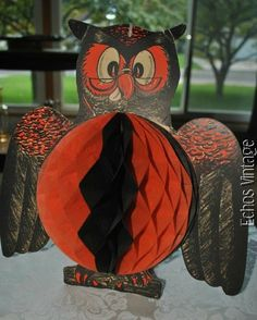 Vintage Signed Late 40s Beistle Halloween WISE OWL Honeycomb 14 X14 Centerpiece