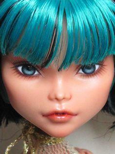 "OOAK Repaint Monster High Cleo -""Leah"" by INI"
