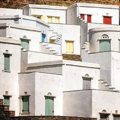 This place called Ag. Romanos , in Tinos island (Τήνος) ☀️. Magical sample of Cycladic architecture of white houses and colorful windows & doors ❤️. Paros, Cyclades Islands, Mykonos, Wonderful Places, Beautiful Places, Tinos Greece, Cyprus Island, Places In Greece, Greek Isles
