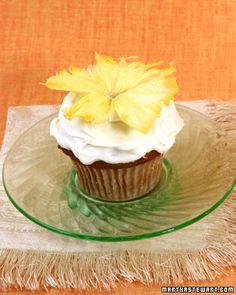 Hummingbird Cupcakes....Martha did it again! These sound amazing...banana, coconut, pineapple, pecans!