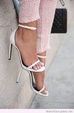 5519350eeb1c3 Les chaussures à talons c est le top de la féminité et on les adorent. Se  déclinant en des milliers modèles il y en a pour tous les goûts.