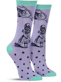 In this gorgeous rendition of John Tenniel's illustrations for Alice in Wonderland, Alice and the Cheshire Cat come to life on these unique bamboo socks.