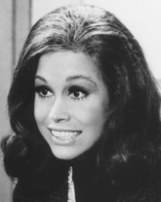 -Mary Tyler Moore is an American actress Born: December 29, 1936, Brooklyn Heights, NY Died: January 25, 2017, Connecticut