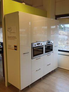 Kuopion Keittiöjätti Kitchen Cabinets, Kitchen Appliances, French Door Refrigerator, French Doors, Home Decor, Diy Kitchen Appliances, Home Appliances, Decoration Home, Room Decor