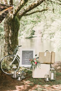 Vintage proposal decor: http://www.stylemepretty.com/canada-weddings/british-columbia/vancouver/2015/06/02/summertime-french-picnic-proposal-inspiration/ | Photography: Kim James - http://www.kim-james.com/