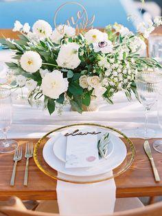 Classic Chic Outdoor California Wedding at Malibu Rocky Oaks - MODwedding Wedding Reception Decorations, Wedding Centerpieces, Wedding Bouquets, Wedding Tables, Centerpiece Ideas, Wedding Ceremony, Mod Wedding, Floral Wedding, Wedding Colors