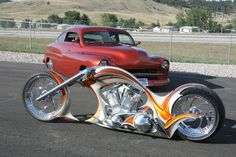 "In 2006 Thunderbike won the European Championship of Custombike building and was 2nd placed on the AMD Worldchampionship in Sturgis (USA) with the bike ""Spectacula""."