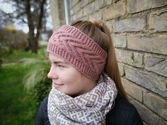 Be beautiful in winter! Warm and gentle ear warmer. Knitting with love Handmade Items, Handmade Gifts, Ear Warmers, Baby Knitting Patterns, Knitted Hats, Free Pattern, Rose Gold, Wool, Trending Outfits