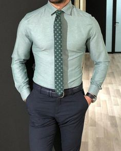 Slim Fit Dress Shirts, Slim Fit Dresses, Fitted Dress Shirts, Mens Casual Suits, Mens Fashion Suits, Green Shirt Outfits, Rock Outfits, Emo Outfits, Camisa Slim