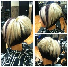 The Path To Hair Restoration Normal hair loss is a common occurrence. Short Stacked Bob Haircuts, Short Bob Hairstyles, Wedge Hairstyles, Short Hair With Layers, Short Hair Cuts, Short Hair Styles, Beautiful Haircuts, Gorgeous Hairstyles, Hair Color Highlights