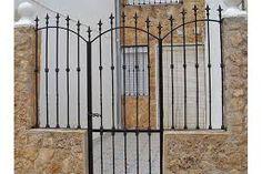 proteccion de herreria para ventanas - Buscar con Google Iron Gates, Boat Building, Fence, New Homes, House Design, Room, Cuba, Furniture, Angel