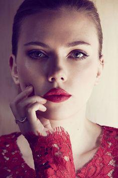 Scarlett Johansson for Marie Claire by Txema Yeste Scarlett Johansson, Hot Actresses, Beautiful Actresses, Cover Shoot, Geri Halliwell, Chuck Blair, Natasha Romanoff, Gal Gadot, Black Widow