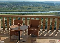 Want to eat with a breathtaking view on Cracow ? Contact us !