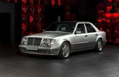Modelo icônico e de série limitada da AMG, construído na década de 1990, ganhou um interior todo restaurado e nova pintura