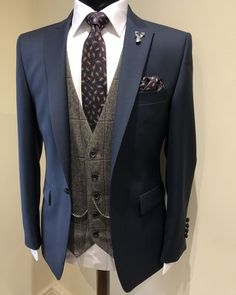 Check out our collection of burgundy suits. This colour looks great as a plain suit, checked suit and tweed suit ___________________________________________ # bespokesuit weddingsuit Wedding Suit Hire, Wedding Men, Wedding Stuff, Wedding Ideas, Bespoke Suit, Bespoke Tailoring, Tweed Suits, Mens Suits, Burgundy Suit