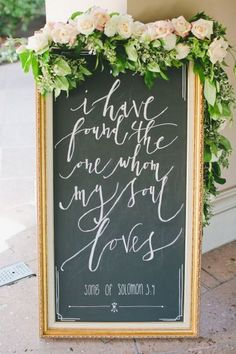 Garland, gold and beautiful calligraphy wedding sign / http://www.himisspuff.com/rustic-wedding-signs-ideas/3/