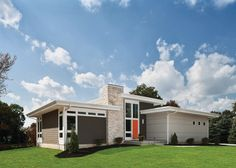Marvelous Mid Century Modern Color Palette Ideas in Exterior Midcentury design ideas with curb appeal flat roof foundation planting grass