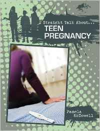 Teen pregnancy / Pamela MCDOWELL - Finding yourself pregnant as a teenager is a scary thing. There are so many issues involved. Teen Pregnancy examines the fact that about one third of girls in the United States will get pregnant before the age of twenty. Teens share their own personal experiences to provide further insight on this issue.