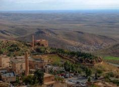 Mardin and a view over the plains of Mesopotamia