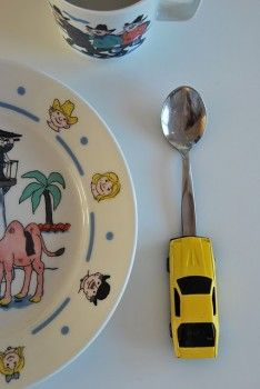 DIY: Make your own kids cutlery with superglue