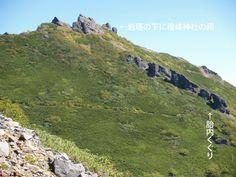 権現岳の胎内くぐり|八ヶ岳登山ルートガイド。Japan Alps mountain climbing route guide