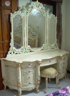 Google Image Result for http://www.frenchinteriors.org.uk/WebRoot/BT3/Shops/BT4194/4F39/213F/802A/DE86/8CB1/0A0C/05E7/F970/DSCN1493_2.jpg