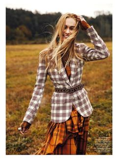 Steph Smith Layers Up in Outdoor Styles for ELLE Canada - Fashion For Women İdeas Tartan Fashion, New Fashion, Autumn Fashion, Fashion Trends, Fashion 2018, Elle Fashion, Fashion Edgy, Cheap Fashion, Fashion Online