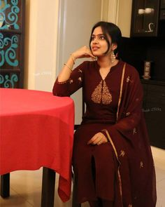 Beautiful crepe silk top paired with a semi-silk bottom and chiffon dupatta. Salwar Suit Neck Designs, Saree Blouse Neck Designs, Kurta Neck Design, Salwar Designs, Kurta Designs Women, Kurti Designs Party Wear, Blouse Designs, Chudidhar Designs, Dress Indian Style