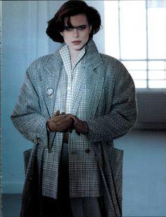 Vogue Archive Luglio 1985 Vintage Style, Vintage Fashion, European Dress, 80s And 90s Fashion, 1980s, Fashion Inspiration, Archive, Vogue, How To Wear