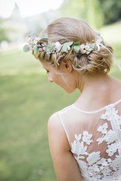 Das perfekte Brautstyling von Püppikram Berlin. Wunderschöne Haare und Make-Up für die Hochzeit.