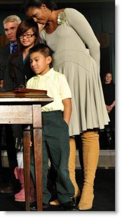 michelle-obama-beige-dress-boots