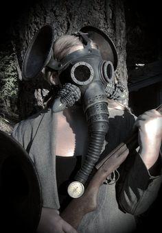 Super Punch: Elephant-esque gas mask
