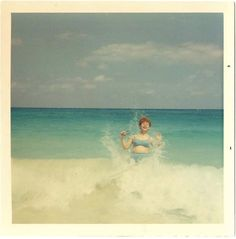 Pics in the waves, all of us and esp mom. Also on b-day celebration, meme and Kyn doing Kyns signature pose with hand under chin Old Pictures, Old Photos, Vintage Photographs, Vintage Photos, Vintage Magazine, Family Album, Photoshop, Retro Aesthetic, Portraits