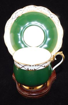 """MEASUREMENTS - Teacup 2 7/8"""" wide 2 3/4"""" tall Saucer 5 1/2"""" wide.   eBay!"""