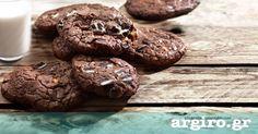 Μπισκότα cookies με διπλή σοκολάτα από την Αργυρώ Μπαρμπαρίγου   Υπέροχα σοκολατένια cookies που ξετρελαίνουν τα παιδιά αλλά και τους μεγάλους! Food Categories, Recipe Box, Nutella, Sweet Recipes, Oreo, Cookies, Sweets, Chocolate, Desserts